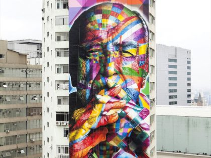 Eduardo Kobra's portrait of Oscar Niemeyer at 124 Piazza Oswaldo Cruz in São Paulo.